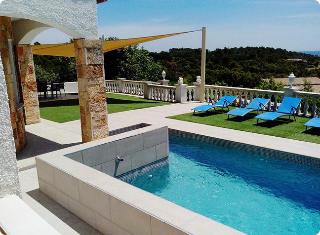 Villacostabravaspanje vakantievilla huren 9 pers verwarmd zwembad en zeezicht costa brava - Buiten villa outs ...